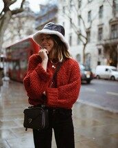 sweater,red sweater
