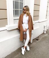coat,camel coat,mango,white sneakers,white pants,skinny pants,high waisted pants,brown bag,belt,white sweater,cropped sweater