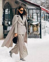 pants,wide-leg pants,snake print,heel boots,trench coat,double breasted,blazer,black turtleneck top,black bag,handbag