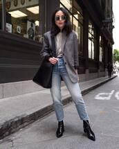 jacket,blazer,grey blazer,oversized,cropped jeans,straight jeans,black boots,ankle boots,top,black bag