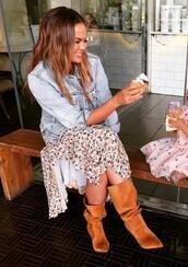 dress,chrissy teigen,model off-duty,instagram,celebrity,boots,spring outfits