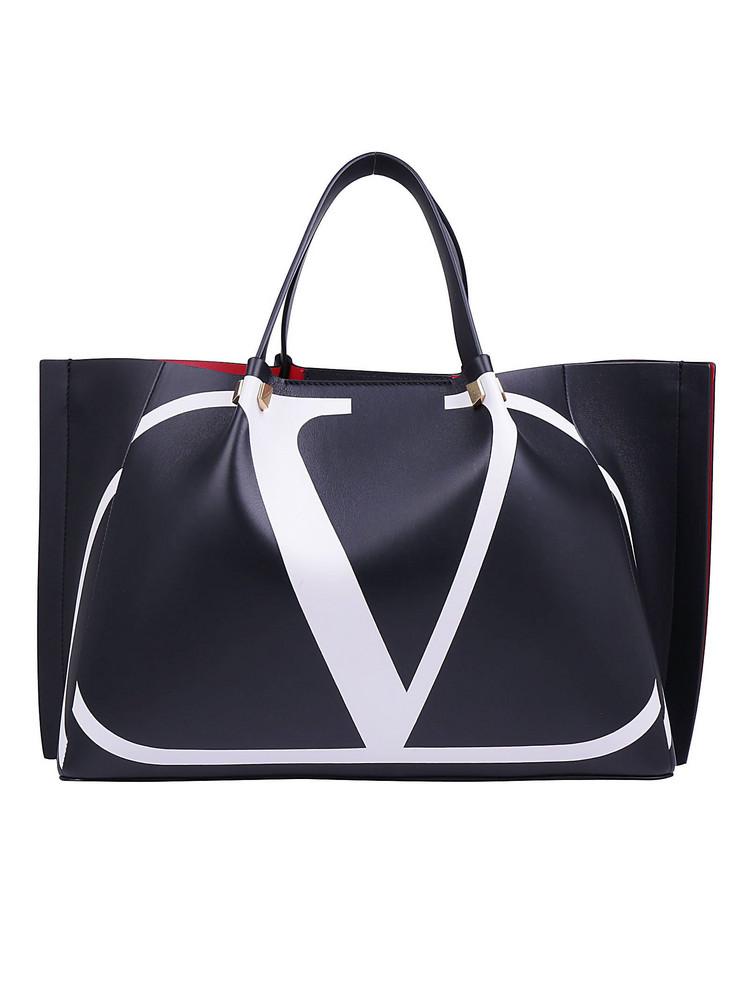 Valentino Garavani Medium Tote Bag in nero / bianco