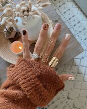 sweater,knitted sweater,ring,nail polish,nail art