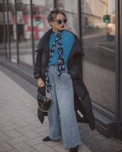 jeans,high waisted jeans,pleated,free people,black boots,black bag,handbag,black jacket,puffer jacket,bershka,scarf,blue sweater