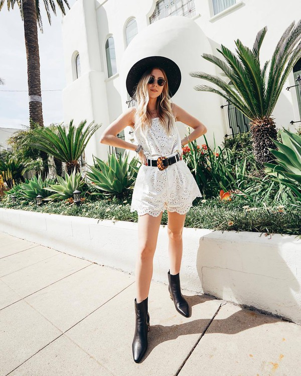 shorts white shorts lace shorts white top lace top ankle boots black boots black belt felt hat