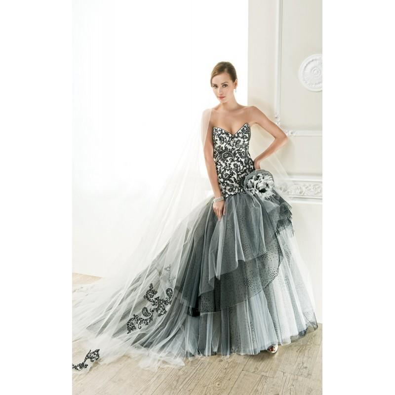 Cosmobella, 7614 - Superbes robes de mariée pas cher   Robes En solde   Divers Robes de mariage blanc