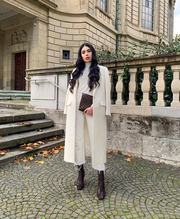jeans white jeans straight jeans ankle boots long coat white turtleneck top bag