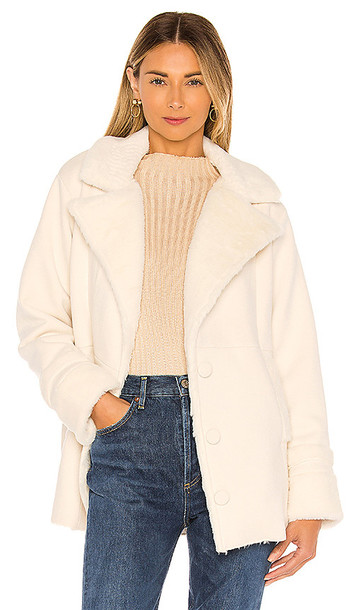 Privacy Please Regina Coat in White