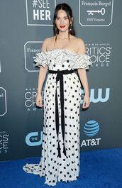 dress,olivia munn,celebrity,polka dots,black and white,off the shoulder,off the shoulder dress,red carpet dress