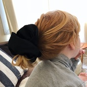 hair accessory,black hair accessory