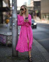 dress,pink dress,long sleeve dress,black sandals,handbag