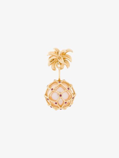 Yvonne Léon hanging pineapple pearl earring in metallic