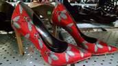 shoes,fly,heels,red,insects,goth