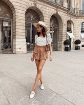 top,white top,polka dots,High waisted shorts,mules,hat,bag