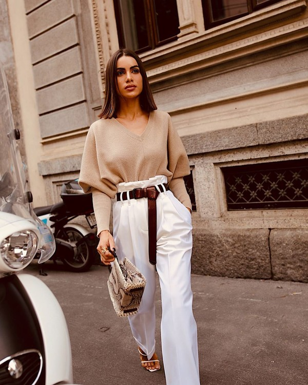 pants white pants high waisted pants pleated sweater white sandals handbag