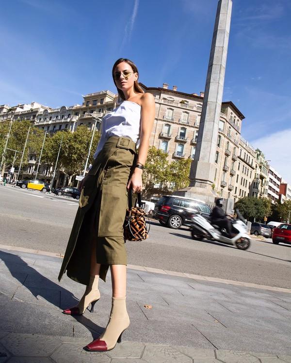 skirt midi skirt jacquemus ankle boots white top fendi bag