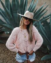 sweater,knitted sweater,shorts,denim shorts,belt,gold necklace,felt hat,sunglasses