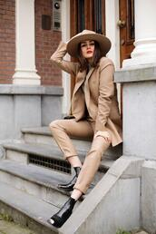style scrapbook,blogger,shoes,bag,hat,sweater,suit,ankle boots