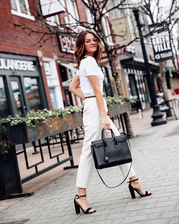 pants high waisted pants pleated black sandals black bag white t-shirt