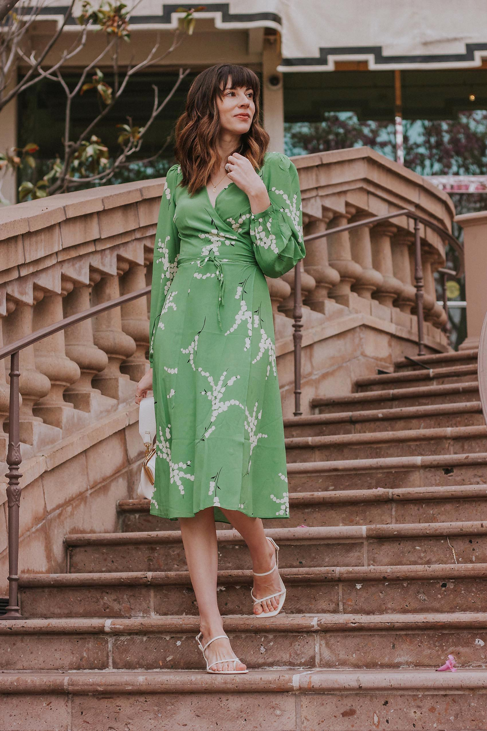 jeans and a teacup blogger dress bag shoes jewels green dress summer dress summer outfits