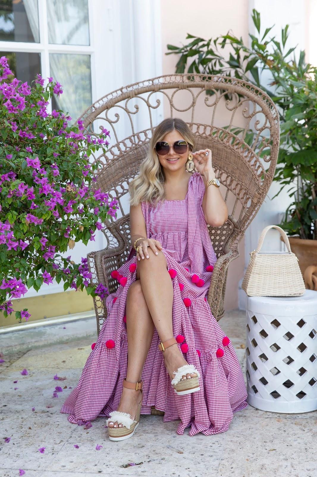 suburban faux-pas blogger dress sunglasses bag shoes jewels summer outfits wedges pink dress