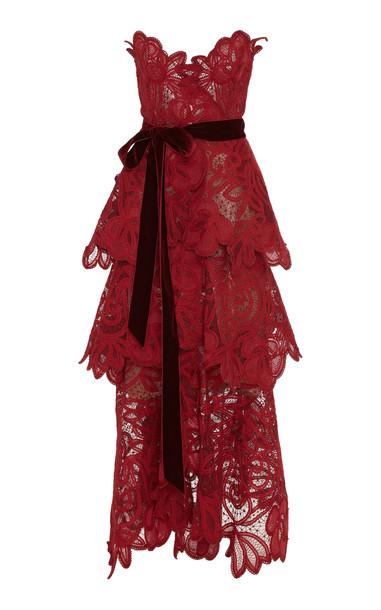 Oscar de la Renta Strapless Tiered Lace Gown in burgundy