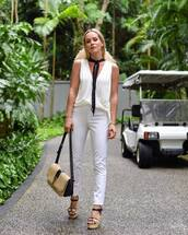 top,white top,wrap top,sleeveless,white jeans,skinny jeans,platform sandals,shoulder bag