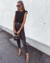 jeans,black jeans,ripped jeans,black sandals,black bag,black t-shirt