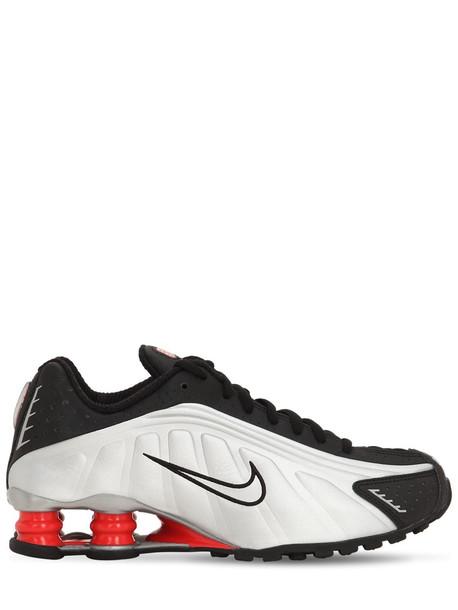 NIKE Shox R4 Sneakers in black / silver