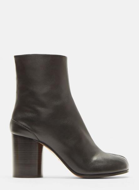 Maison Margiela Tabi Ankle Boots in Black size EU - 37.5