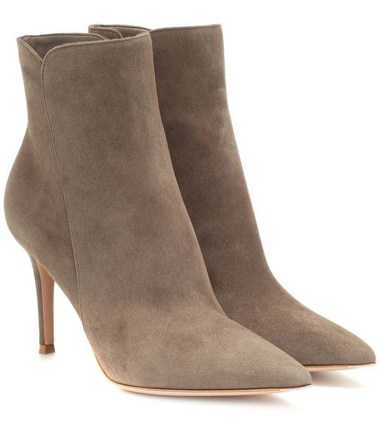 Gianvito Rossi Levy 85 suede ankle boots in beige