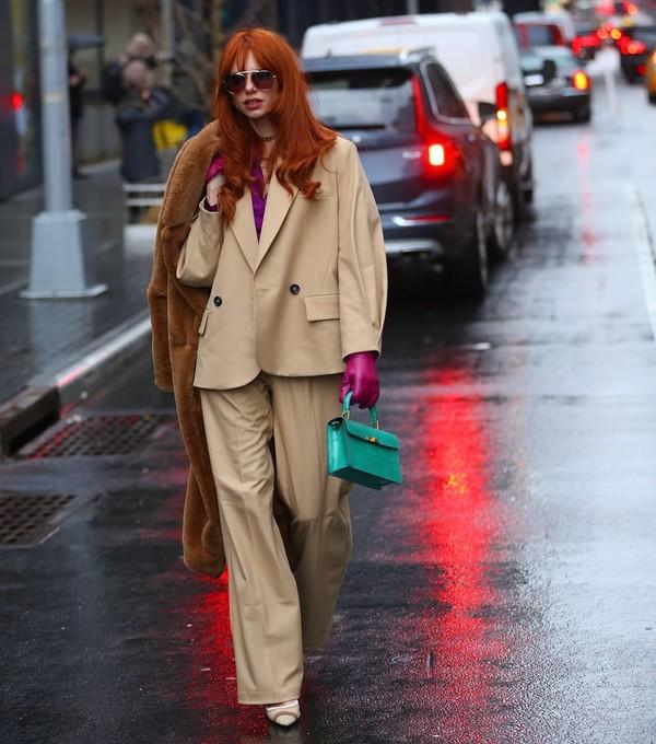 jacket blazer wide-leg pants bag gloves faux fur coat
