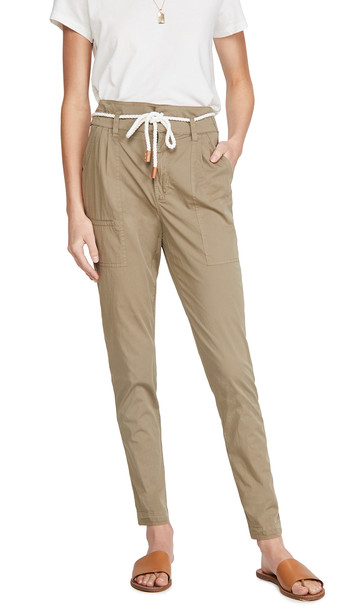 FRAME Casual Pleat Pants