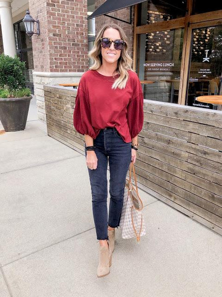twopeasinablog blogger top jeans shoes jewels