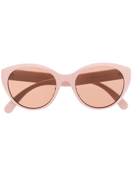 Gucci Eyewear cat eye chunky frame sunglasses in pink