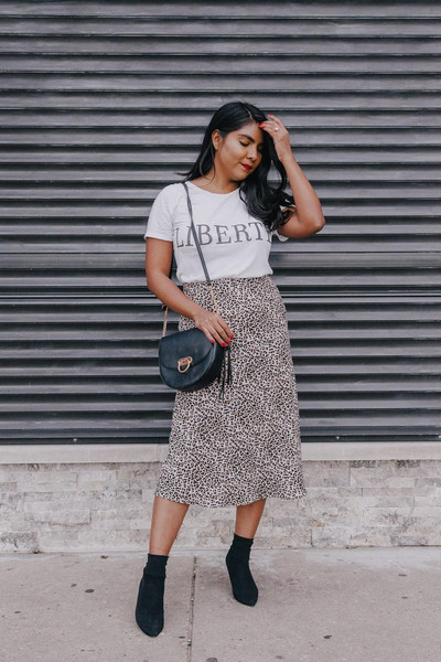 the-colorpalette blogger skirt bag shoes t-shirt