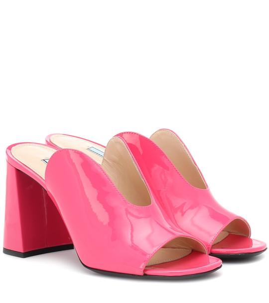 Prada Patent leather mules in pink