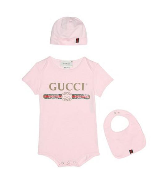 Gucci Kids Cotton onesie, bib and hat set in pink