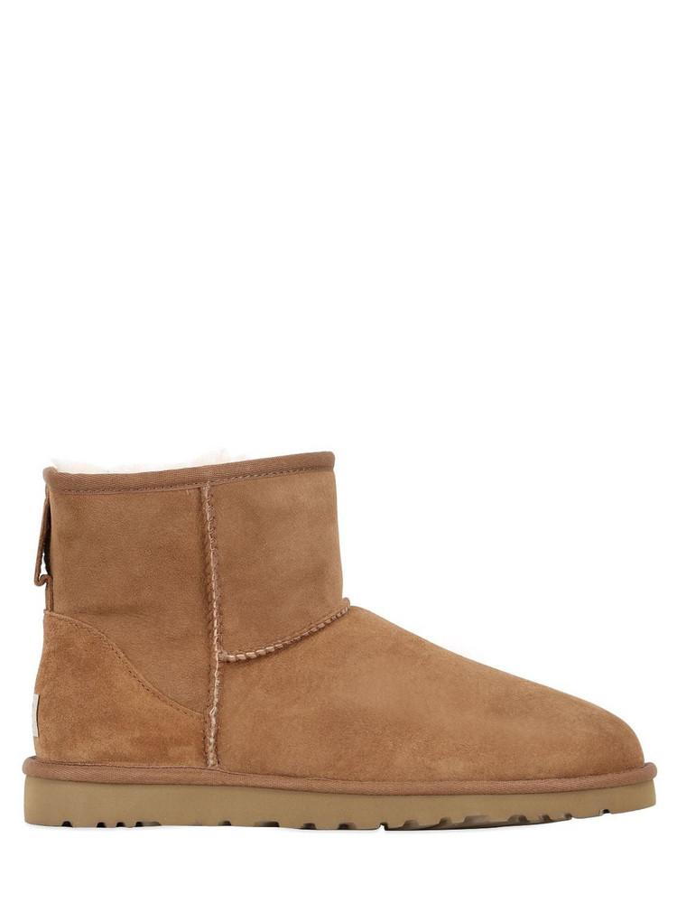 UGG 10mm Mini Classic Ii Shearling Boots in tan