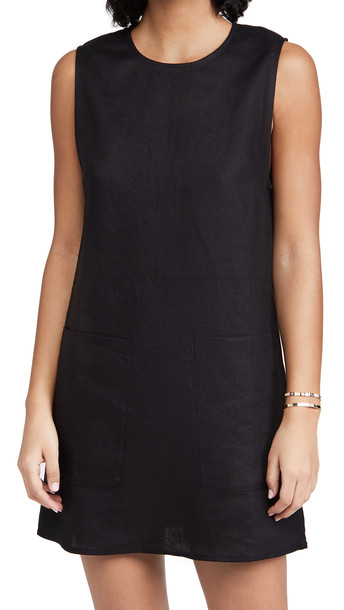 Reformation Max Dress in black