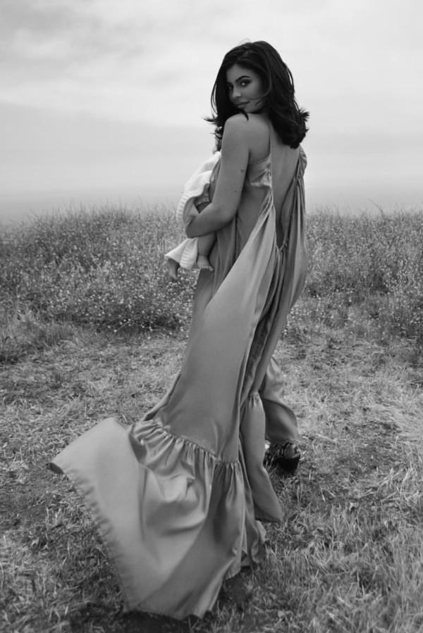 dress kylie jenner kardashians instagram celebrity maxi dress