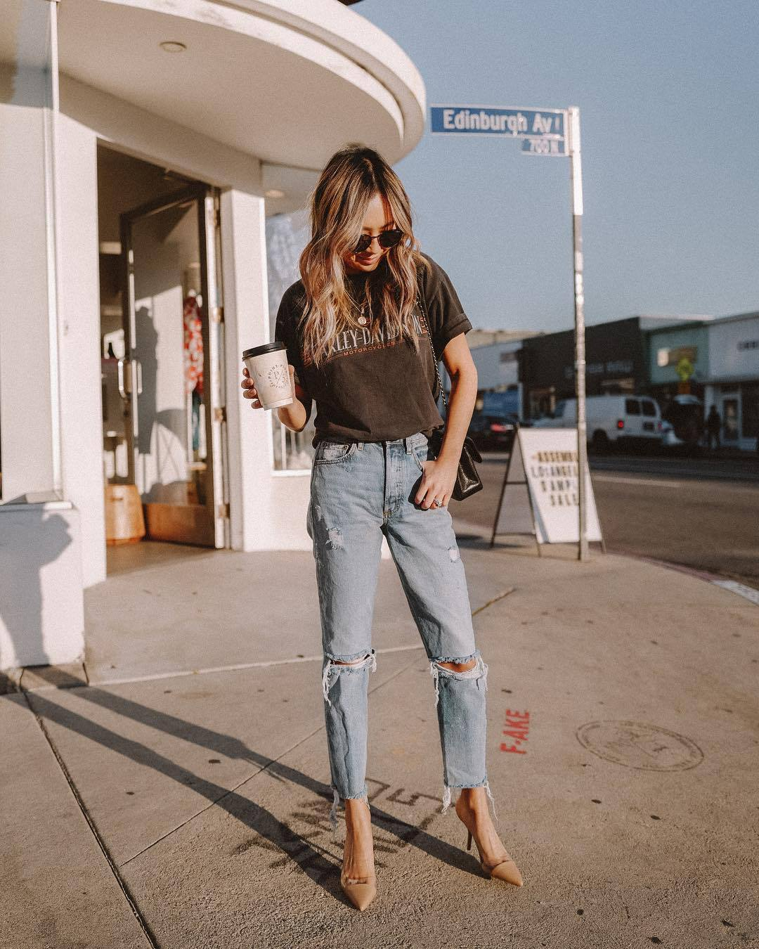 jeans cropped jeans ripped jeans straight jeans pumps black t-shirt black bag