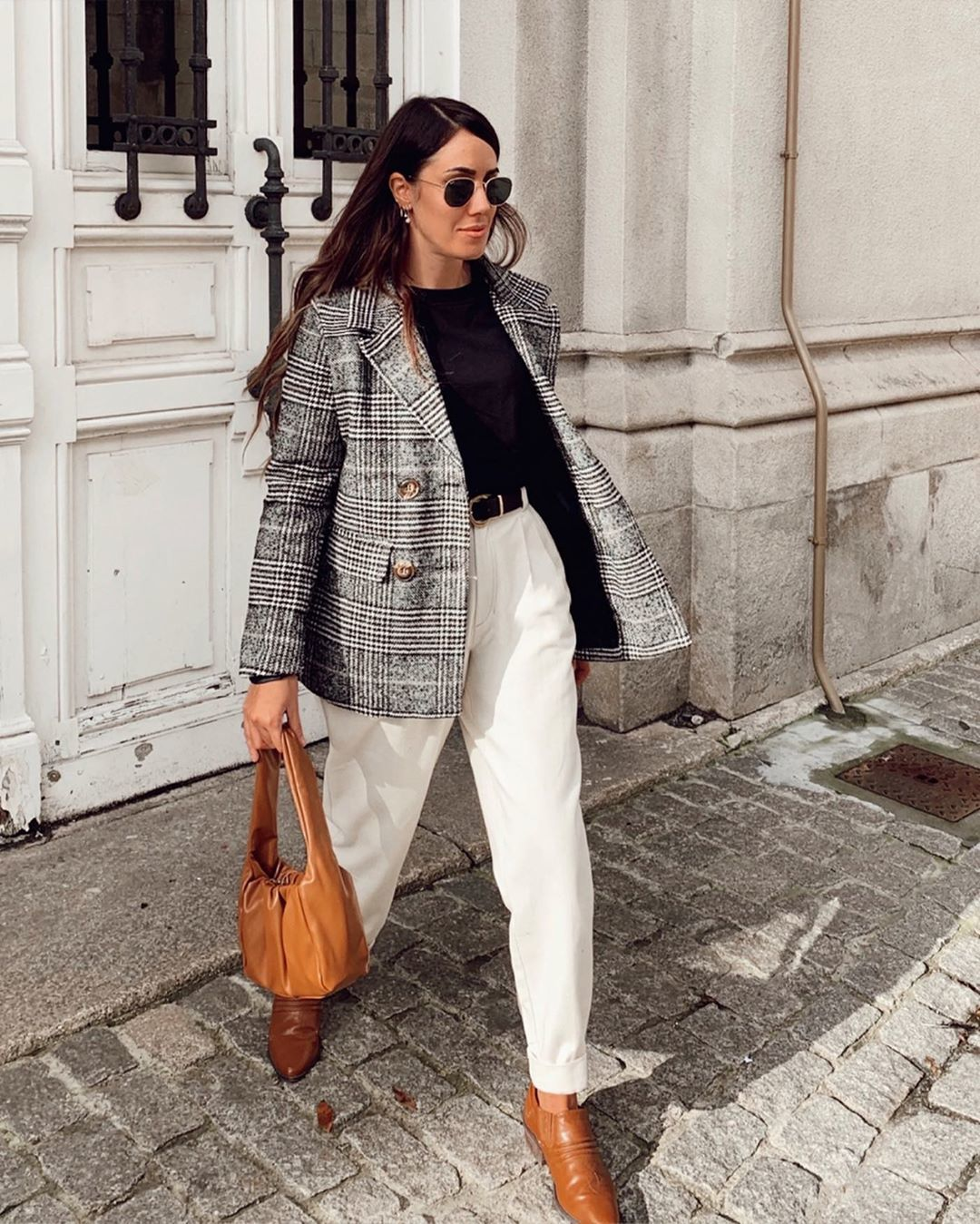bag brown bag ankle boots high waisted pants black t-shirt plaid blazer double breasted