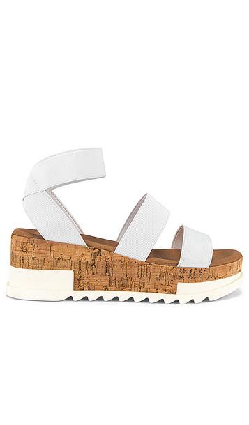 Steve Madden Bandi Sandal in White
