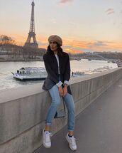 jeans,white sneakers,grey blazer,chloe bag,white t-shirt,beret,casual,streetstyle