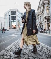 shoes,black boots,lace up boots,snake print,midi dress,black coat,double breasted,black belt,black bag