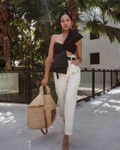 top,crop tops,bow,high waisted pants,pleated,white pants,high heel sandals,loewe bag