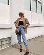 jeans,high waisted jeans,black sandals,tights,blazer,top,beret,crossbody bag