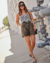 top,tank top,High waisted shorts,black sandals,black bag