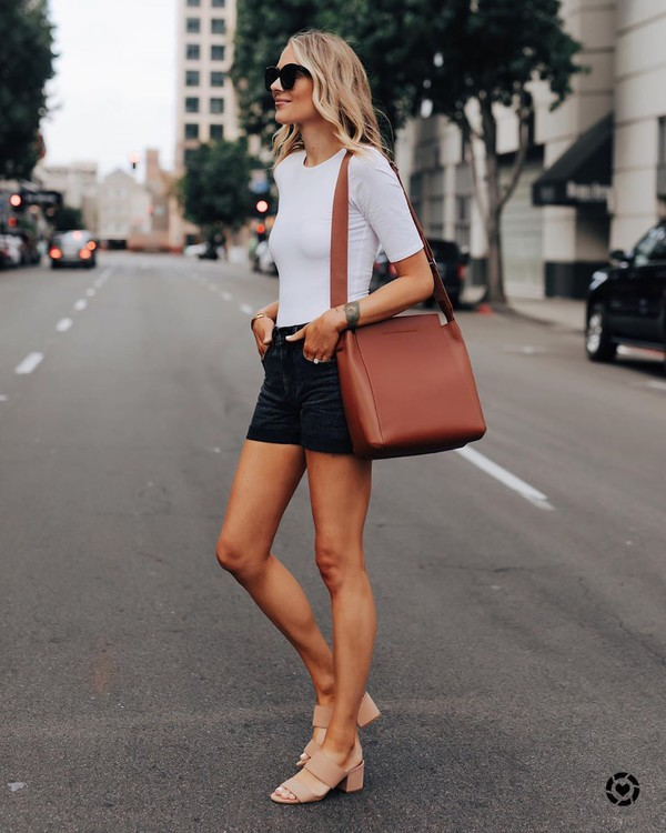 shorts black shorts denim shorts sandal heels white t-shirt brown bag